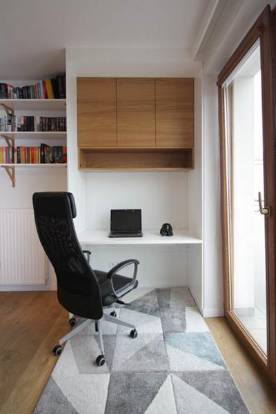 Galicyjska Kraków 4 biurko w salonie pion